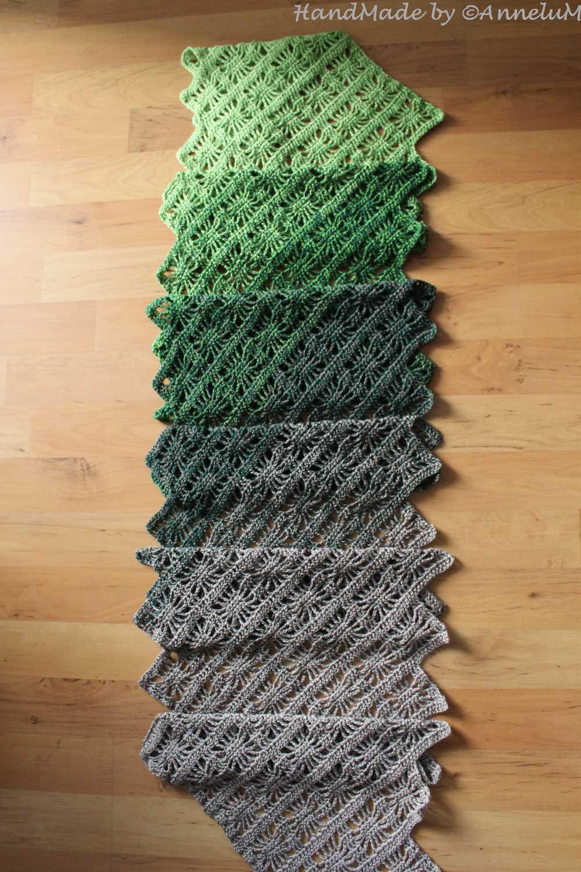 Langer Schal mit Sonnenfenstermuster Handmace by AnneluM