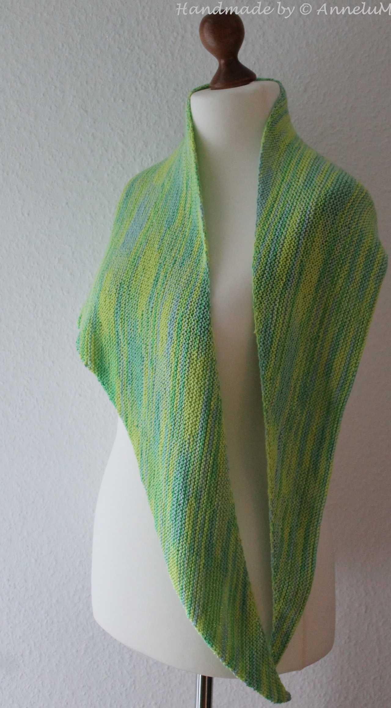 Boomerang Shawl Handmade by AnneluM