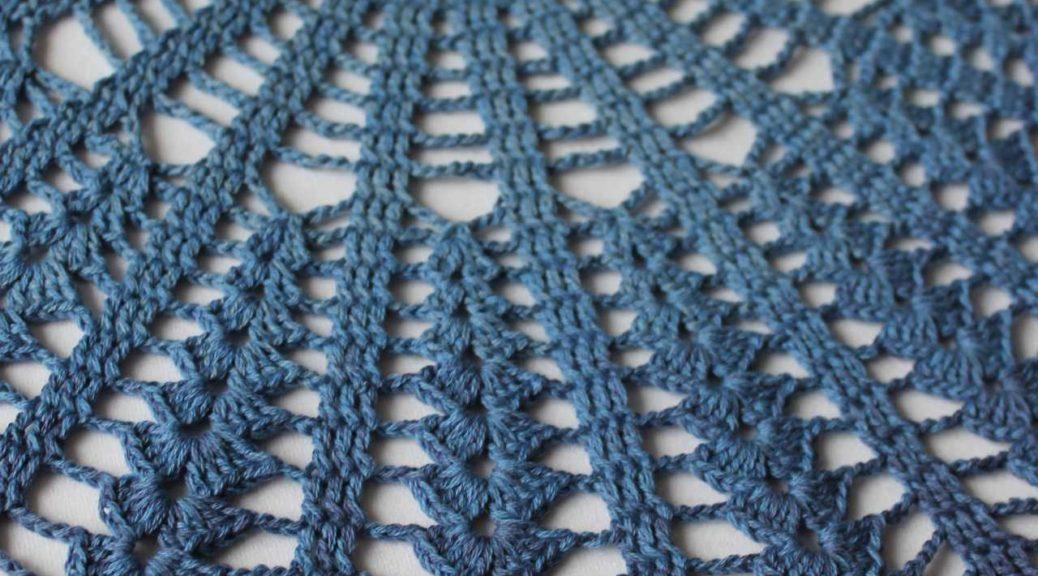 laues Deckchen Handmade by AnneluM